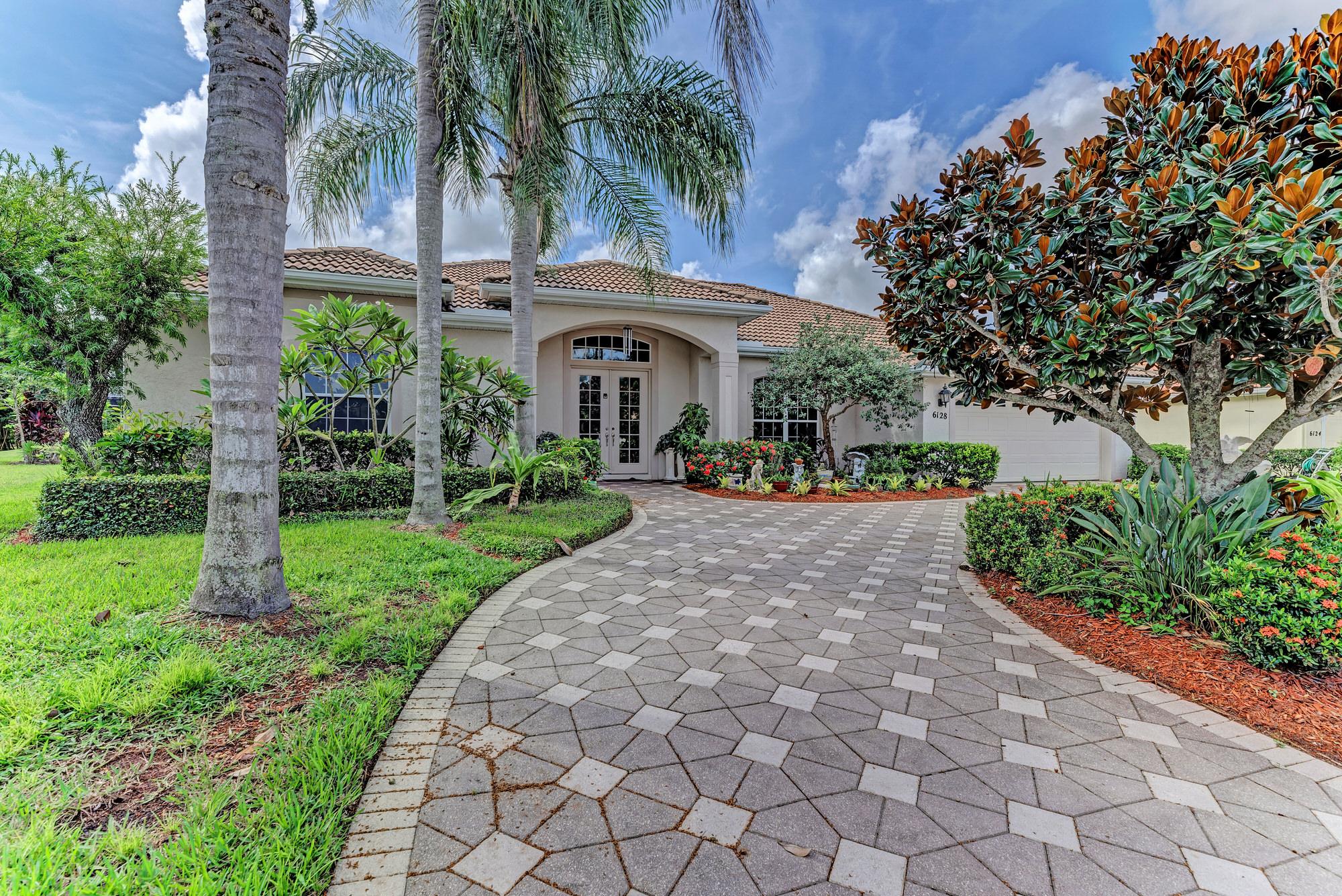 Real Estate 6128 STILLWATER CT, UNIVERSITY PARK, FL 34201